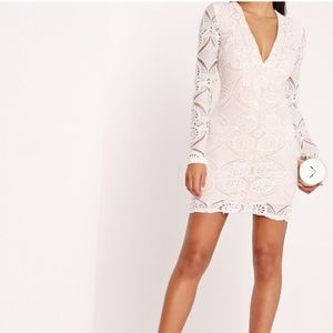 Missguided white/nude vneck long sleeve dress
